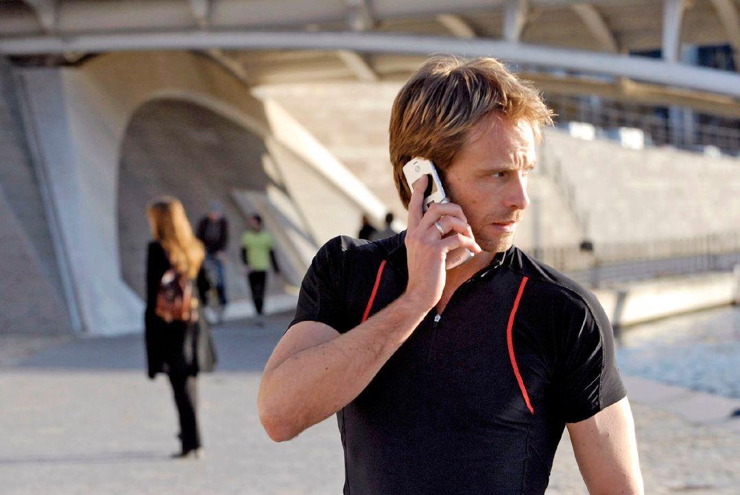 Philip Jacobi (Julian Weigend), Chef des R.I.S.-Teams, wird von seinen Kollegen zu einem neuen Fall gerufen. - Bildquelle: Christoph Assmann Sat.1