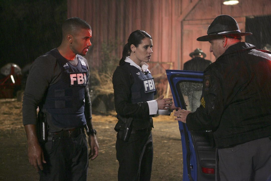 Derek Morgan (Shemar Moore, l.); Emily Prentiss (Paget Brewster, M.) - Bildquelle: Monty Brinton 2007 Touchstone Television. All rights reserved. NO ARCHIVE. NO RESALE.