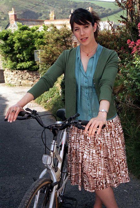 Hat kein Verständnis für den schlechten Scherz, der Doc Martin ordentlich zusetzt: Louisa Glasson (Caroline Catz) ... - Bildquelle: BUFFALO PICTURES/ITV