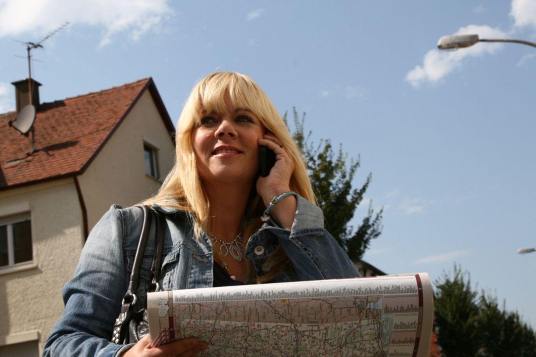 Reist um den Erdball, um nach vermissten Personen zu suchen: Julia Leischik ... - Bildquelle: Tim Biggs SAT.1