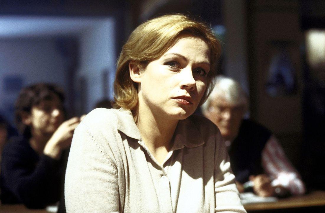 Die attraktive Beamtin Lisa (Jennifer Nitsch) ist seit fünf Jahren im Polizeidienst und bildet mit ihrem Chef David Bornett ein gutes Gespann ... - Bildquelle: Meier