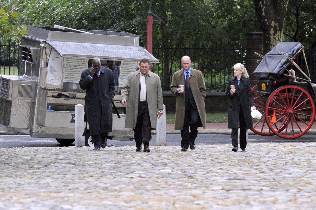Ein 17 Jahre zurückliegender Fall wird neu aufgerollt (v.l.n.r.): Det. Will Jeffries (Thom Barry), Det. Nick Vera (Jeremy Ratchford), Lt. John Still... - Bildquelle: Warner Bros. Television