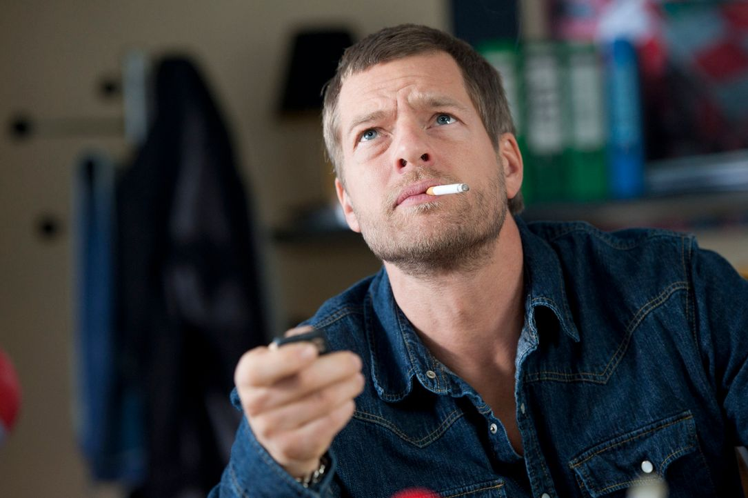Jagt einen Mörder und Entführer, der ihm immer einen Schritt voraus ist: Mick (Henning Baum) ... - Bildquelle: Martin Rottenkolber SAT.1