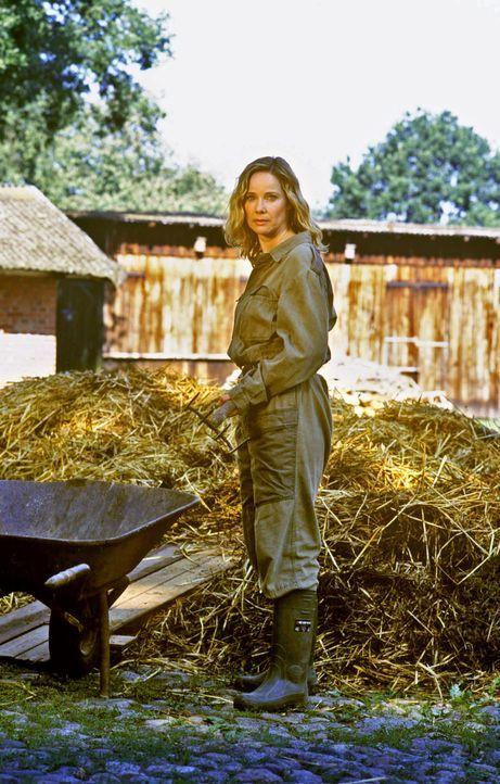 Das hätte sich Großstädterin Maria-Luise (Ann-Kathrin Kramer) nie vorstellen können, dass sie sich einmal mit Leib und Seele der Landwirtschaft vers... - Bildquelle: Susanne Dittmann Sat.1