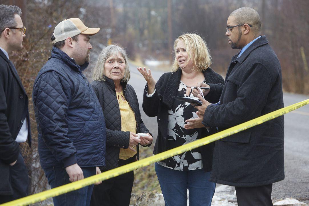 Ein Unbekannter entführt Hope Melton. An einer Tankstelle im Umkreis ist ein... - Bildquelle: Arrow International Media Ltd / Saloon Media