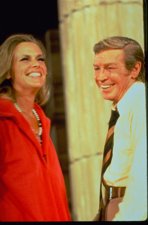 (v.l.n.r.) Lillian Stanhope (Honor Blackman); Nicholas Frame (Richard Basehart) - Bildquelle: 1972 Universal City Studios LLLP. All Rights Reserved.