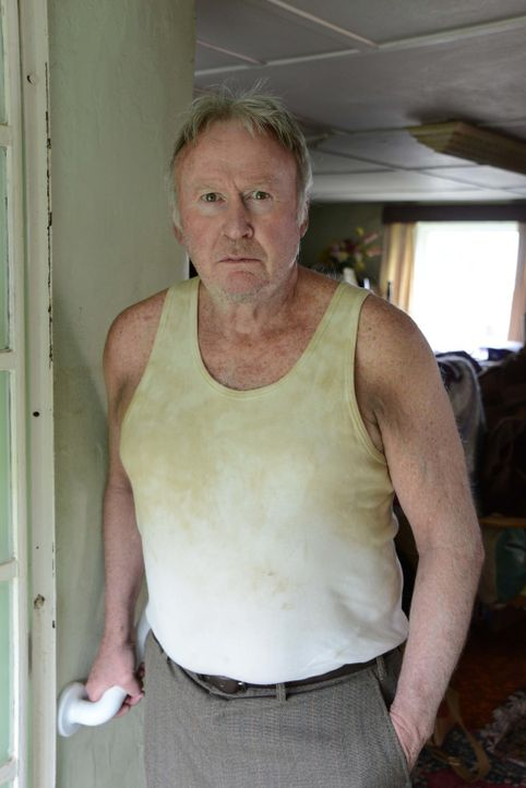 Kann es sein, dass sich Robert (Paul Moriarty) in Ruth verliebt hat und ihr heimlich nachstellt? - Bildquelle: BUFFALO PICTURES/ITV