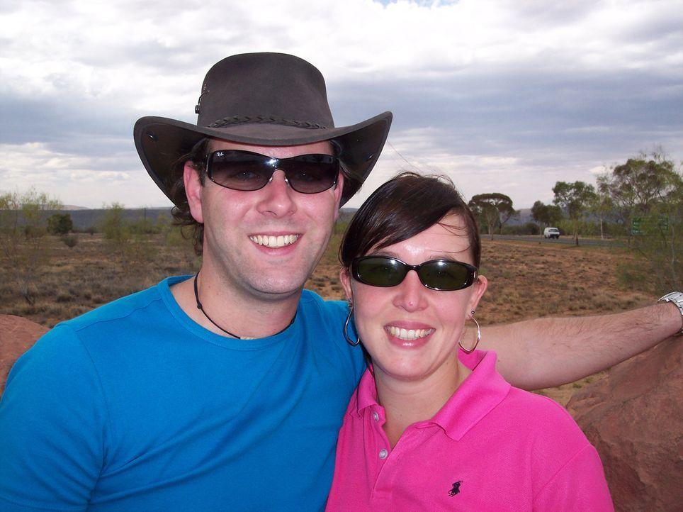 Carola Fegebank (26) und Björn Elter (27) haben mit gerade einmal 3.000 Euro Startkapital einen Neuanfang mitten im australischen Outback gewagt. - Bildquelle: kabel eins