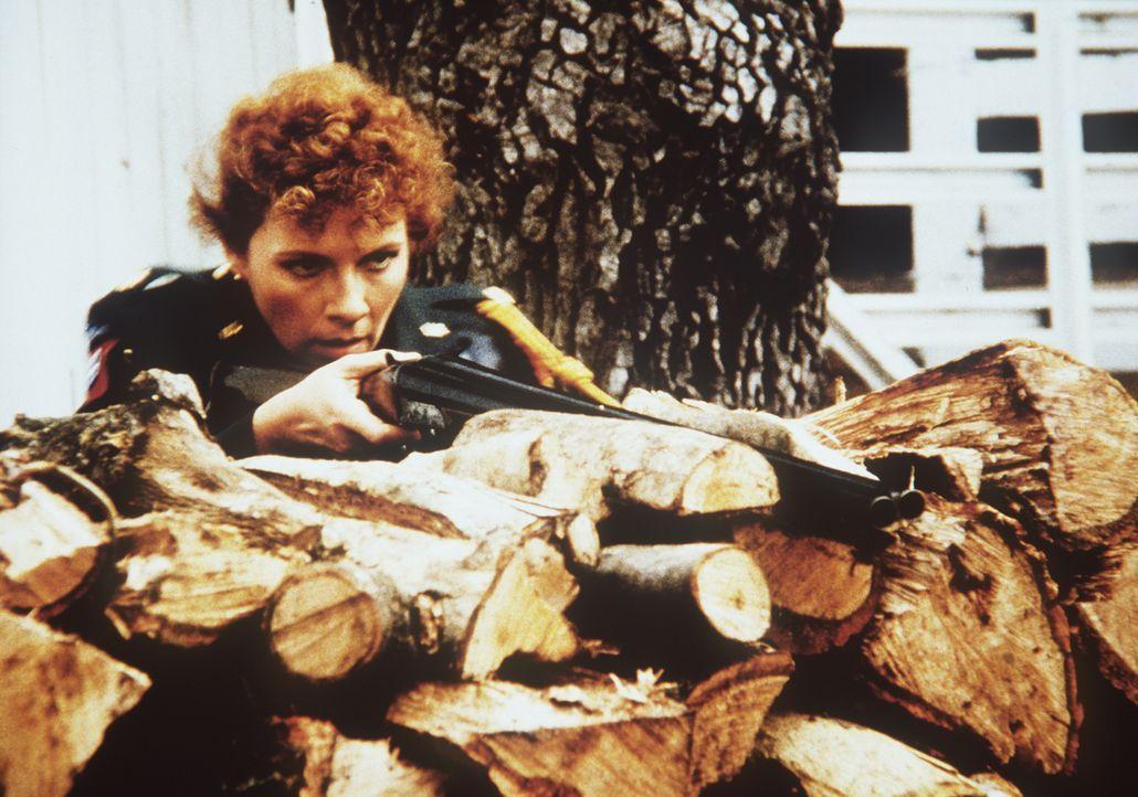 Legt sich mit Lee an - keine gute Idee: Major Sally McGill (Suzanne Lederer) ...