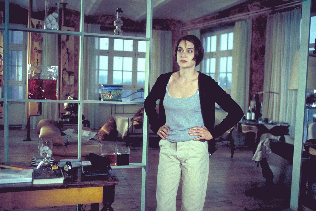 Als Sandra (Christiane Paul) an ehemalige Seilschaften aus Nazitagen gerät, bleibt ihr keine ruhige Minute mehr ... - Bildquelle: Leslie Haslam ProSieben