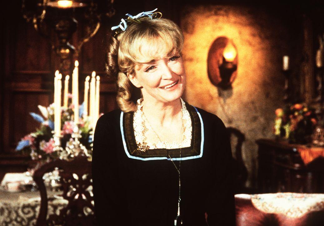 Bens Cousine Clarissa (Nina Foch) ist zu Besuch auf der Ponderosa und stiftet dort nur Unfrieden. - Bildquelle: Paramount Pictures
