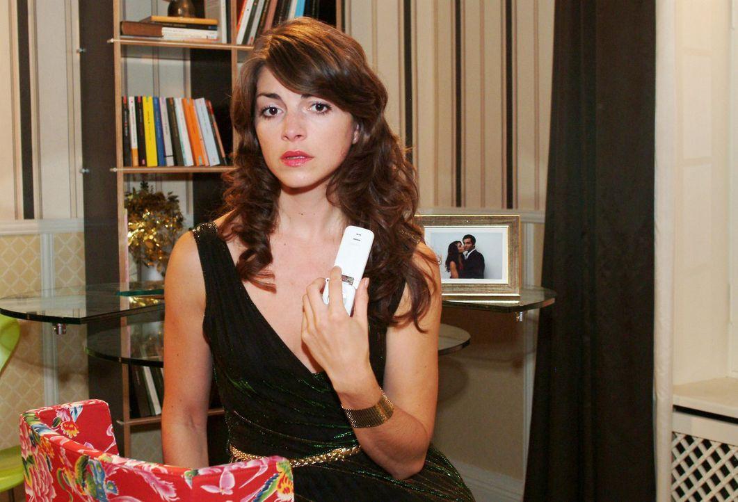 Mariella (Bianca Hein) bittet David um Hilfe. - Bildquelle: Noreen Flynn Sat.1
