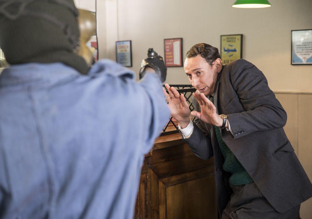 Leonard Finch (Al Weaver) - Bildquelle: Colin Hutton KUDOS/ITV / Colin Hutton