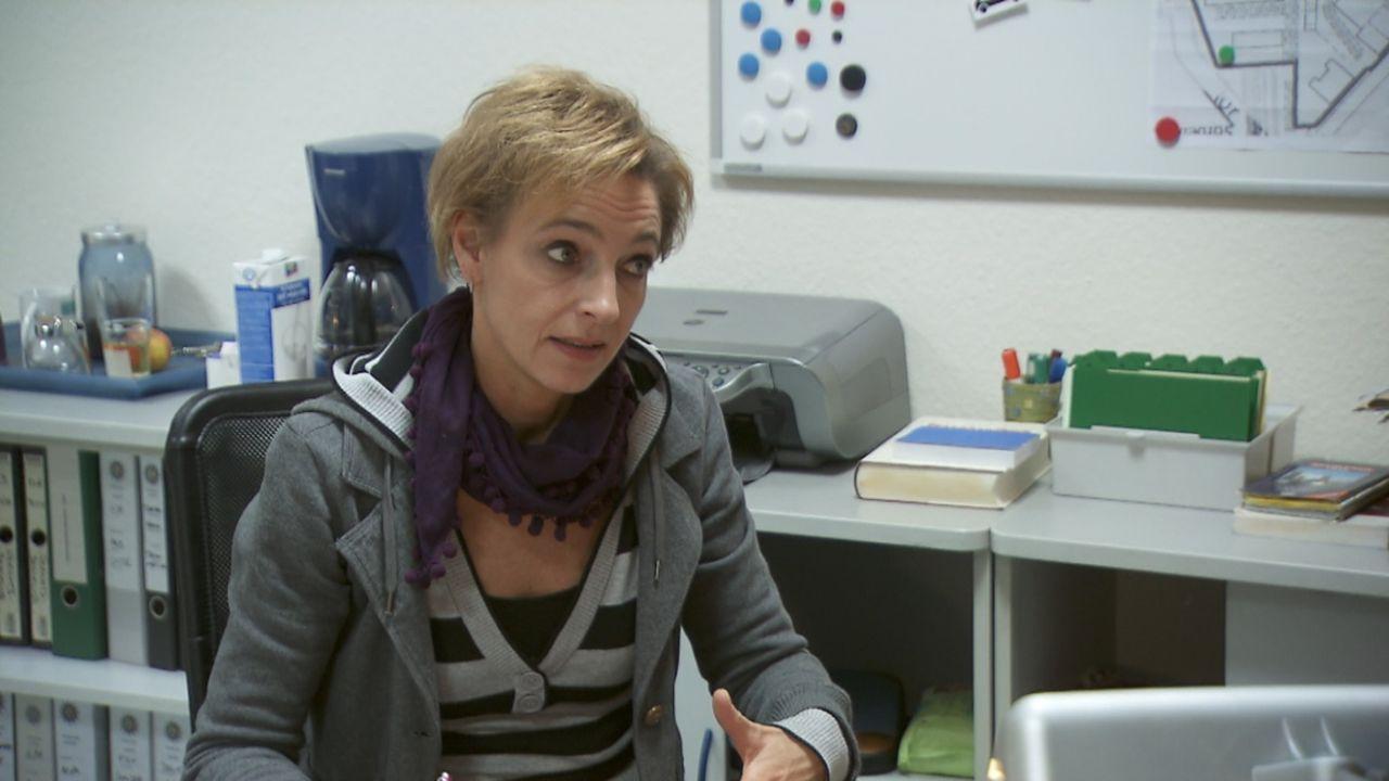 Macht Täter vor laufender Kamera dingfest: Kommissarin Cornelia Niedrig ... - Bildquelle: ProSieben/SAT.1