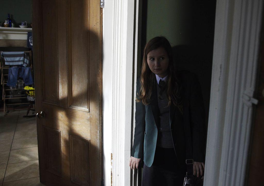 Ruthie (Rebecca Benson) - Bildquelle: Helen Turton ITV Studios / Helen Turton