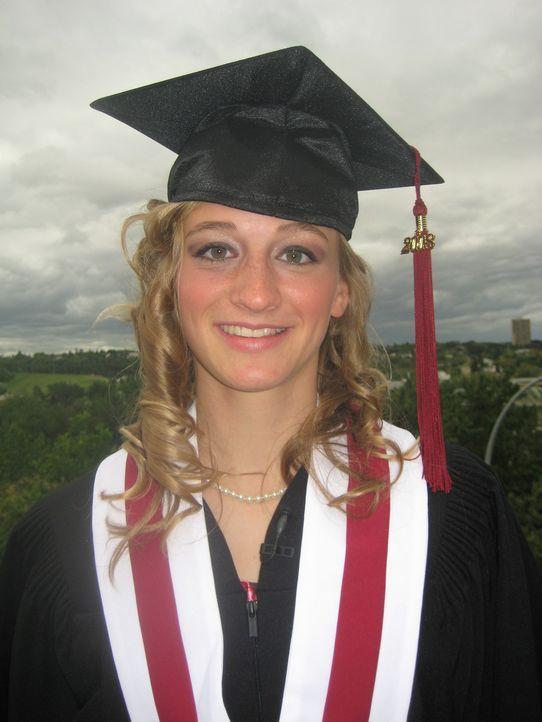 Tochter Alena Konietz hat den kanadischen Highschool Abschluss geschafft und der wird groß gefeiert. - Bildquelle: kabel eins