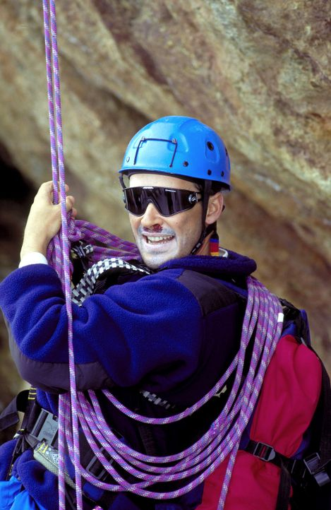 Eines Tages begibt sich der leidenschaftliche Bergsteiger Nicolas Amberg (Michael Roll) auf eine verhängnisvolle Tour ... - Bildquelle: Frank Lemm ProSieben