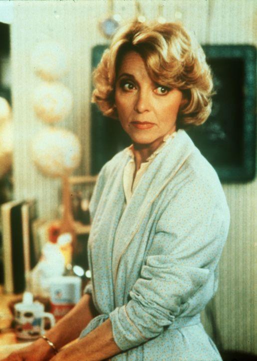 Dotty West (Beverly Garland) kümmert sich oft um die beiden Jungen ihrer Tochter Amanda. - Bildquelle: CBS Television