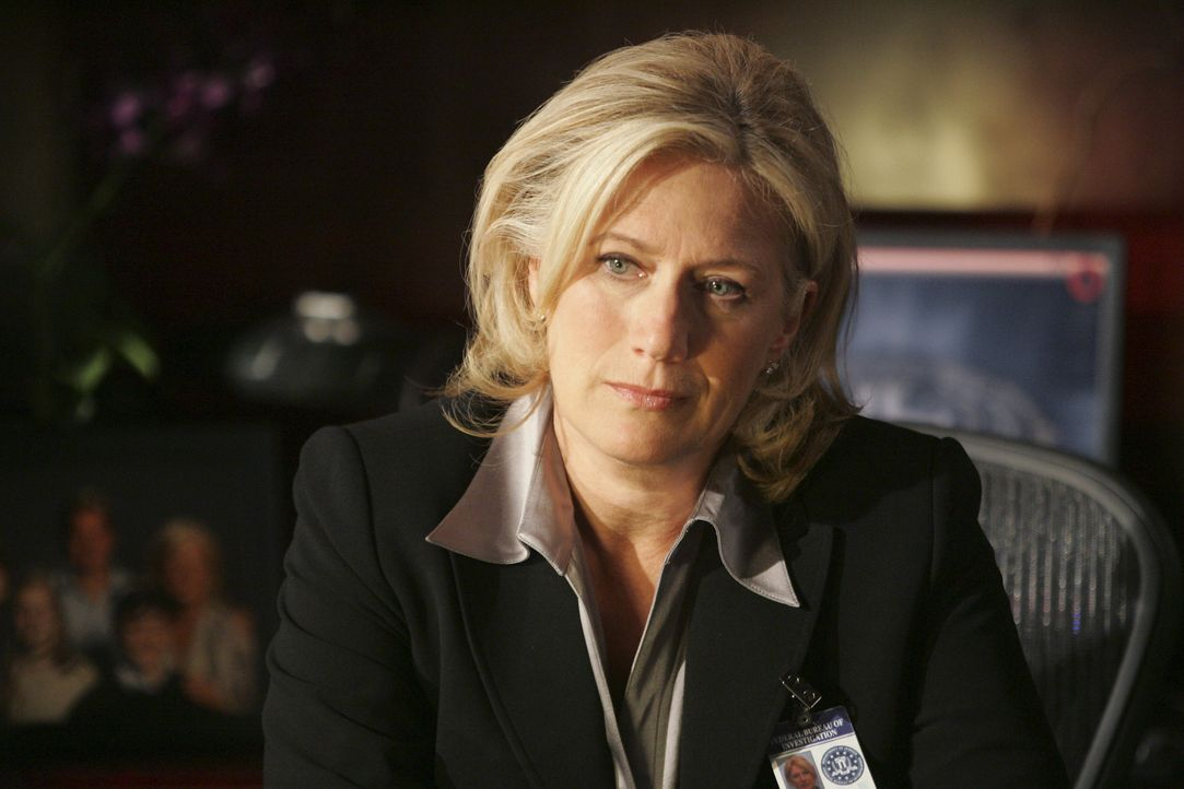 Würde gerne wissen, warum Dave Rossi freiwillig zum FBI zurückkehrt: Erin Strauss (Jayne Atkinson) ... - Bildquelle: Vivian Zink 2007 ABC Studios. All rights reserved. NO ARCHIVE. NO RESALE. / Vivian Zink