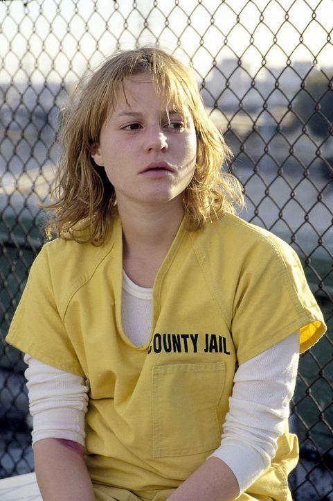 Stefanie (Maria Simon) droht die Todesstrafe - sie soll ihren Sohn umgebracht haben. - Bildquelle: Oliver Rossberg Sat.1