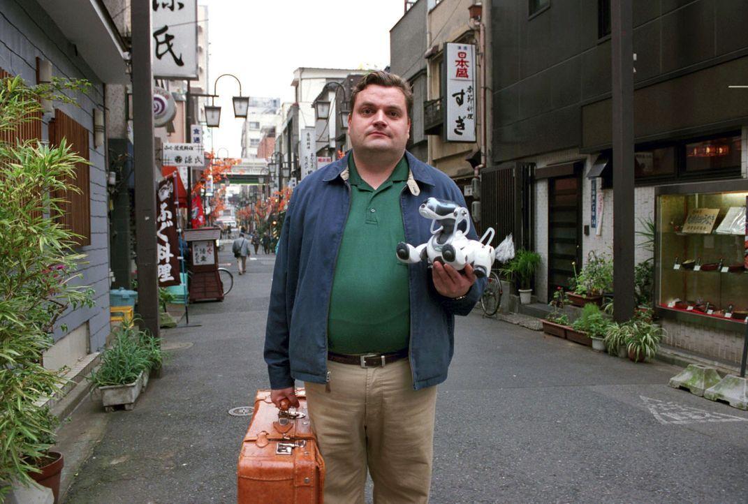 Uli (Christoph Hagen Dittmann) lernt in Tokio, dass er für das, was ihm wichtig ist, kämpfen muss. Sein kleiner Roboterhund Eibo unterstützt ihn dab... - Bildquelle: Marco Nagel Sat.1