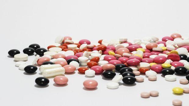 Wer seinen Cholesterinspiegel natürlich senken möchte, statt täglich zahlreic...