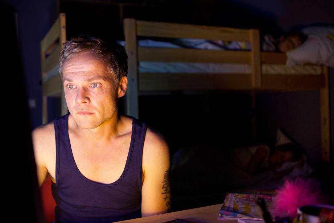 Der tüchtige Polizist Martin Breiler (Matthias Koeberlin) führt ein geordnetes Leben mit seiner Familie, bis er wegen eines Bagatelleinsatzes zu dem... - Bildquelle: Conny Klein SAT. 1