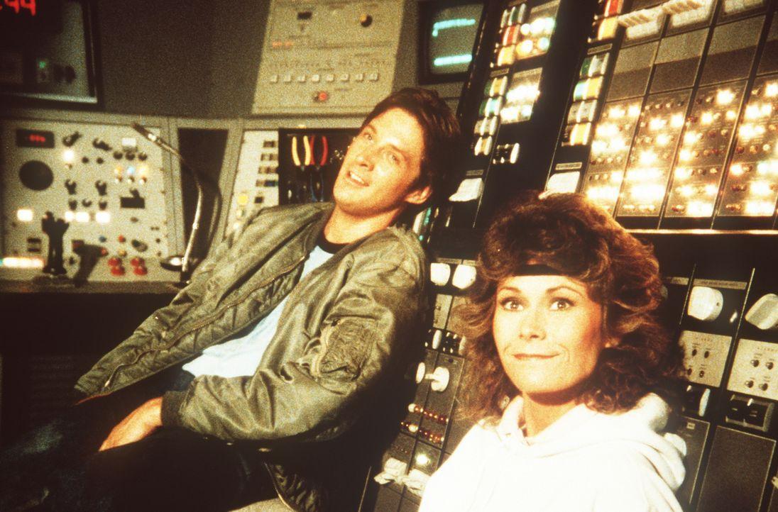 Erst in allerletzter Sekunde haben Lee (Bruce Boxleitner, l.) und Amanda (Kate Jackson, r.) die Sprengung des Staudammes verhindern und die Bösewich... - Bildquelle: CBS Television