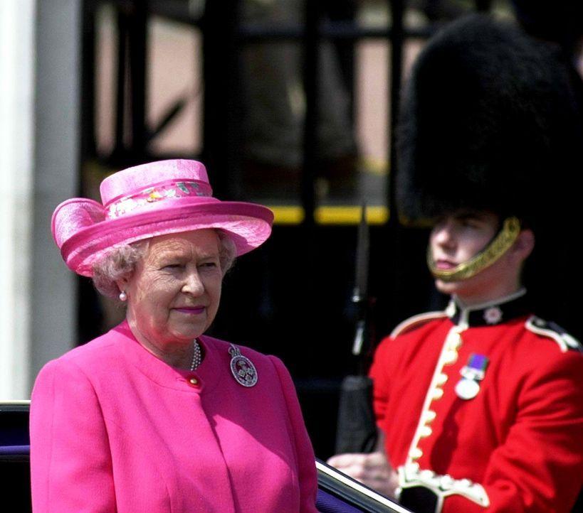 Queen-ElizabethII-00-06-17-dpa - Bildquelle: dpa