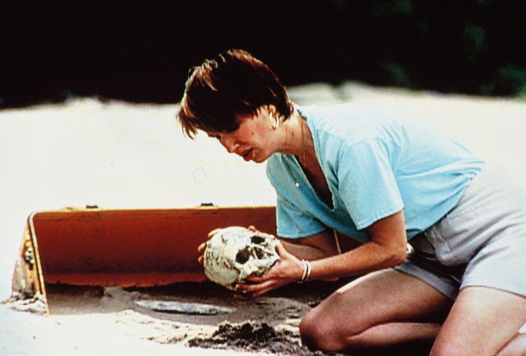 Eines Tages findet eine Urlauberin menschliche Knochen auf einer verlassenen Insel. Schnell identifizieren FBI-Forensiker die grausigen Funde als di... - Bildquelle: New Dominion Pictures, LLC