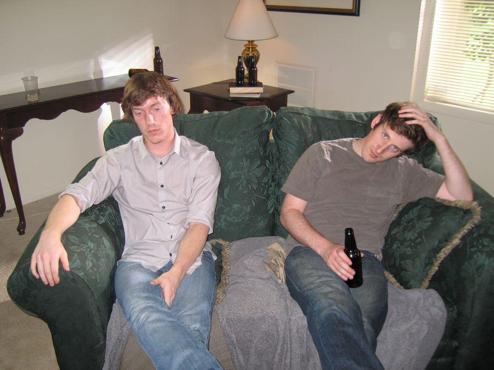 Die eineiigen Zwillinge Greg und Jeff Henry führen ein nahezu identisches Le... - Bildquelle: Discovery Communications, LLC.