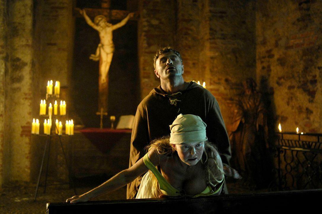 Im Christentum gilt Wollust traditionell als schwere Sünde und ernsthafte Gefahr für das Seelenheil. Der Vorwurf der Wollust gehörte auch zu den typ... - Bildquelle: Michael Schultze ProSieben