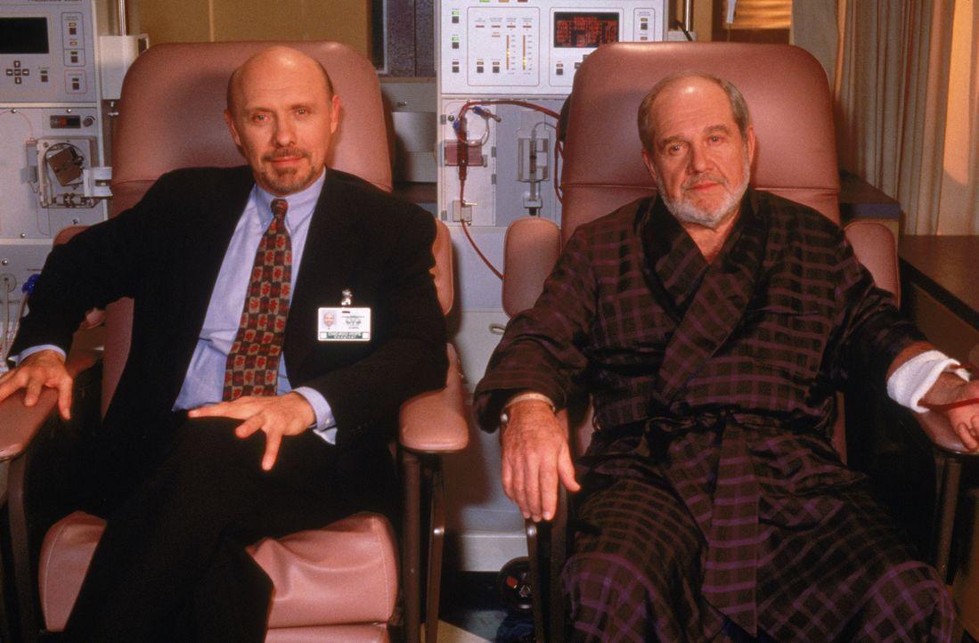 Dr. Phillip Watters (Hector Elizondo, l.); Larry Lenski (Alan King, r.) - Bildquelle: 1999 Twentieth Century Fox Film Corporation.  All rights reserved.