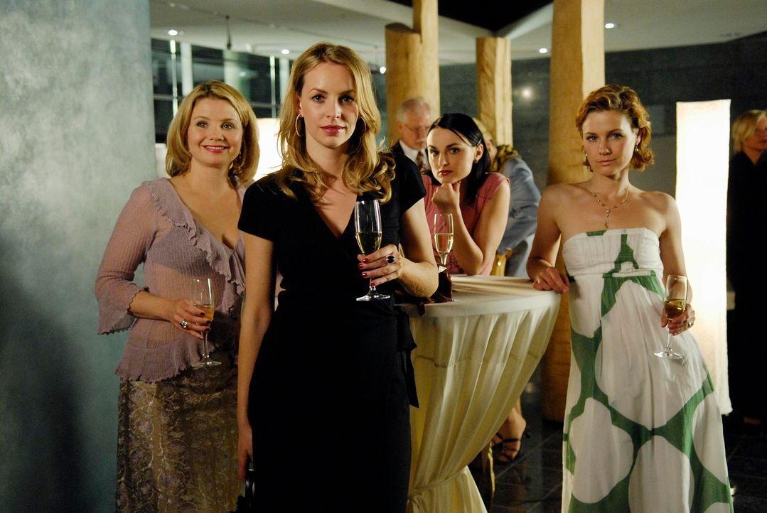 Ein letztes Mal sind die vier Freundinnen gemeinsam unterwegs, dann heißt es für Valerie Abschied nehmen: (v.l.n.r.) Minza (Annette Frier), Edda (Si... - Bildquelle: Marco Nagel ProSieben