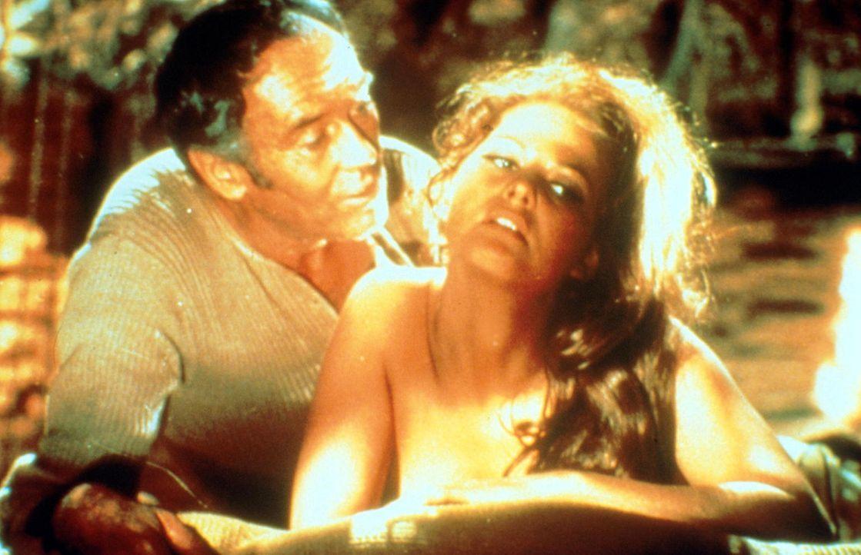 Die junge Witwe Jill (Claudia Cardinale, r.) ist wieder auf Freiersfüßen und verfällt dem Charme von Frank (Henry Fonda, l.) ... - Bildquelle: TM &   2003 by Paramount Pictures Corporation. All rights reserved