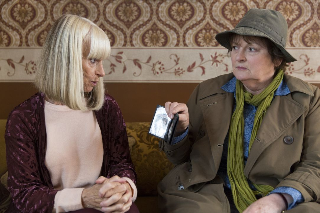 Audrey Latham (Rita Tushingham, l.); Vera Stanhope (Brenda Blethyn, r.) - Bildquelle: ITV Studios