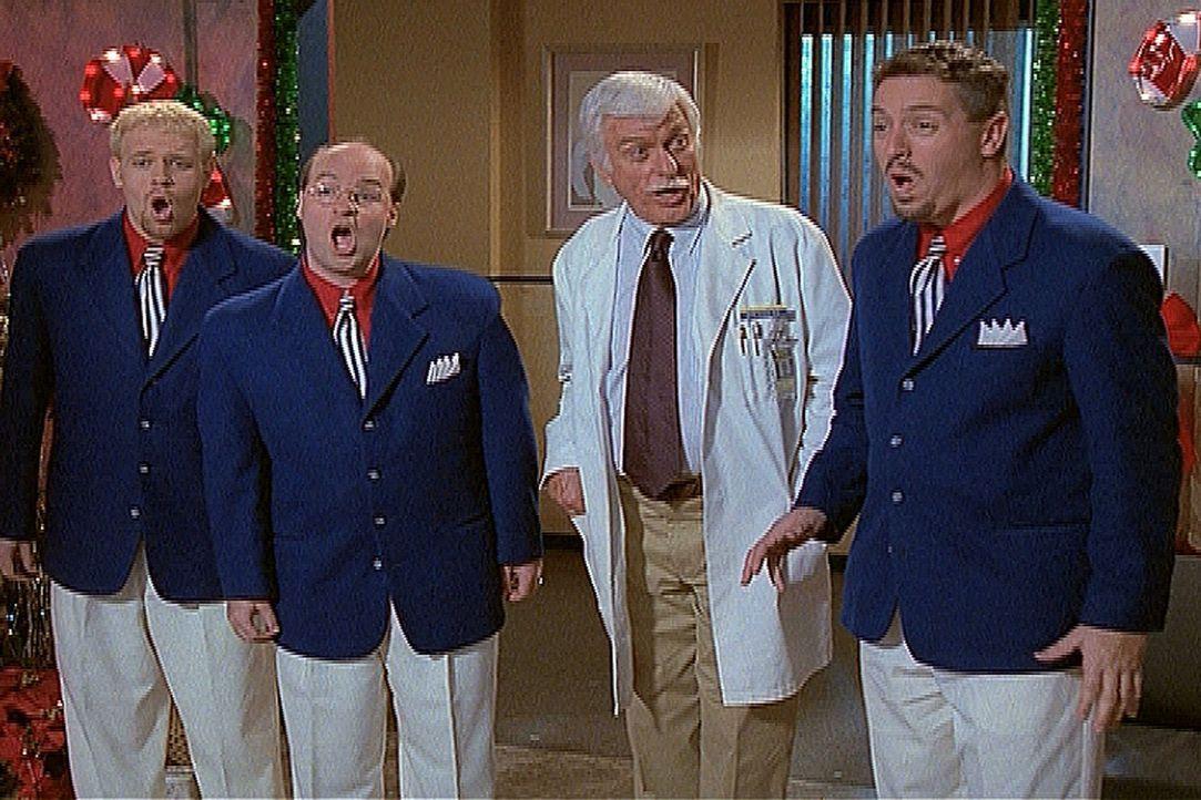 Mark (Dick Van Dyke, 2.v.r.) hat zur Weihnachtsfeier im Krankenhaus eine Gruppe Sänger eingeladen und überrascht seine Patienten mit einem Ständchen... - Bildquelle: Viacom