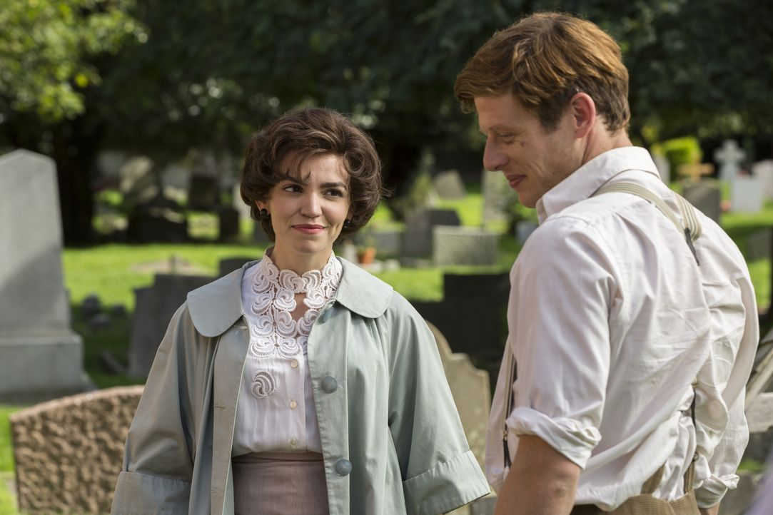 Margaret Ward (Seline Hizli, l.); Sidney Chambers (James Norton, r.) - Bildquelle: Colin Hutton LOVELY DAY PRODUCTION / ITV / Colin Hutton
