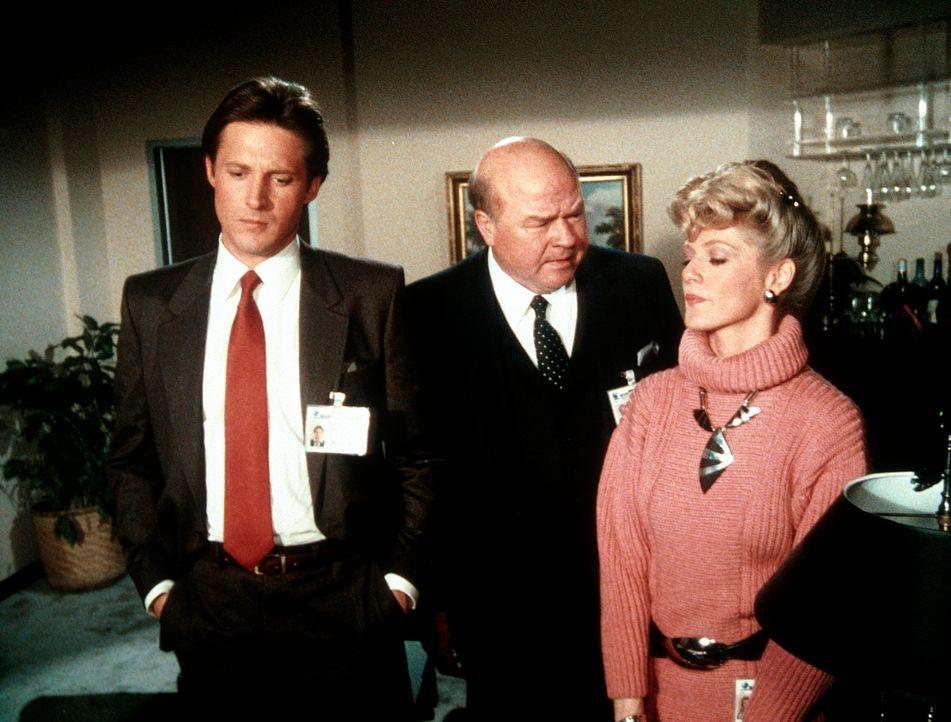 Weil es eine undichte Stelle im Geheimdienst gibt, gerät Amanda unter Verdacht. jetzt sollen Lee (Bruce Boxleitner, l.) und Francine (Martha Smith,...