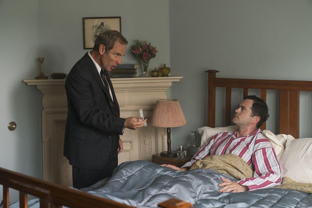 Geordie Keating (Robson Green, l.); Bobby Guthrie (Simon Bubb, r.) - Bildquelle: Colin Hutton Kudos/ITV/Masterpiece / Colin Hutton
