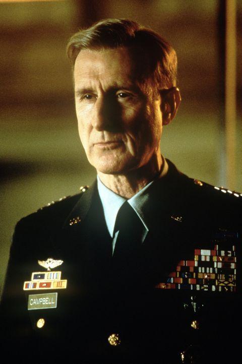 """Joe Campbell (James Cromwell) ist ein äußerst erfolgreicher General der US-Army, der unter dem Namen """"Fighting"""" bekannt geworden ist. Außerdem ist e... - Bildquelle: TM & Copyright   2017 by Paramount Pictures. All rights reserved."""