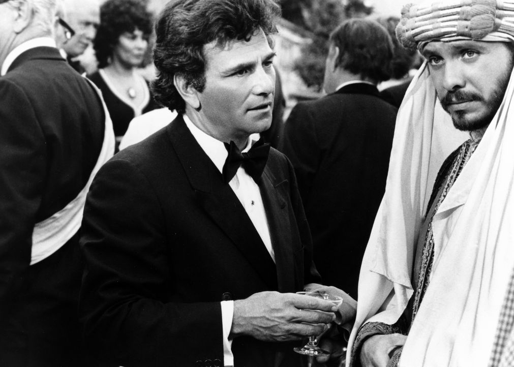 Columbo (Peter Falk, l.); Hassan Salah (Hector Elizondo, r.) - Bildquelle: 1975 Universal City Studios LLLP. All Rights Reserved.