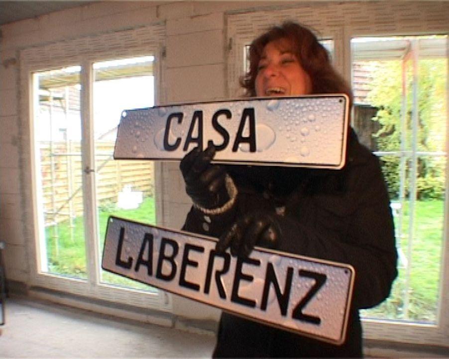 Ellen bevorzugt die italienische Variante für den Namen ihres Eigenheims. - Bildquelle: SAT.1