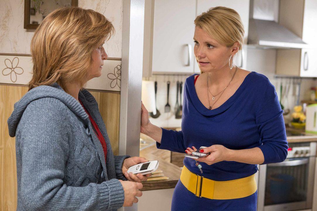 Schon am frühen Morgen hat Danni (Annette Frier, r.) eine Auseinandersetzung mit der sechzehnjährigen Jacqueline, bei der es sogar zu Handgreiflichk... - Bildquelle: Frank Dicks SAT.1