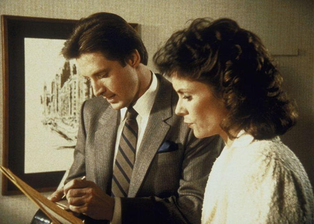 Um Lees (Bruce Boxleitner, l.) Onkel in einer aussichtslosen Lage zu helfen, gehen Lee und Amanda (Kate Jackson, r.) der Angelegenheit nach.