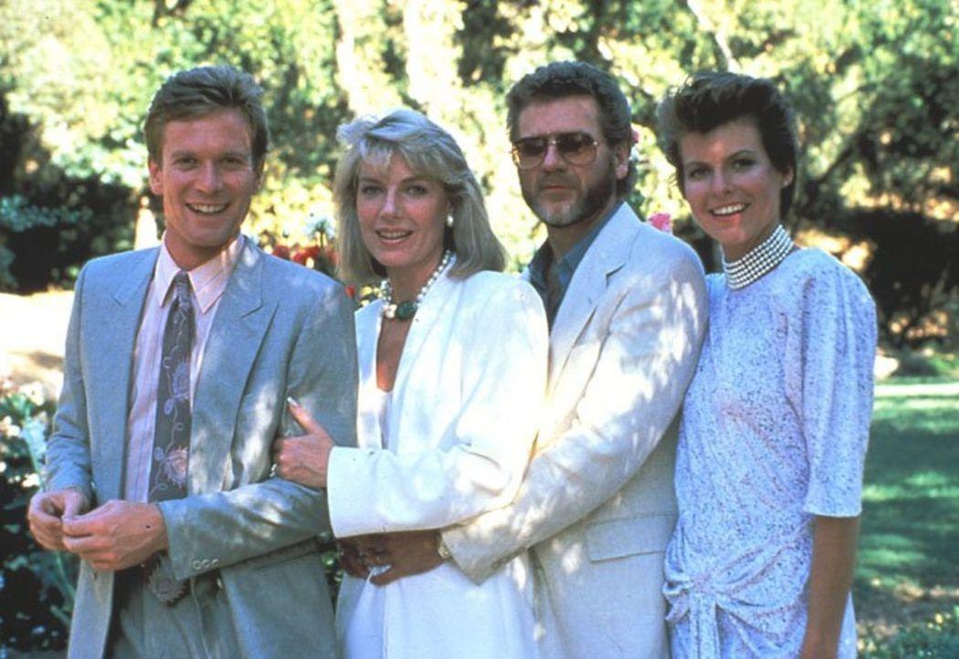 (6. Staffel) - Die Familie Gioberti droht, auseinanderzubrechen: (v.l.n.r.) Cole (William R. Moses), Maggie (Susan Sullivan), Chase (Robert Foxworth... - Bildquelle: 1986   Warner Brothers