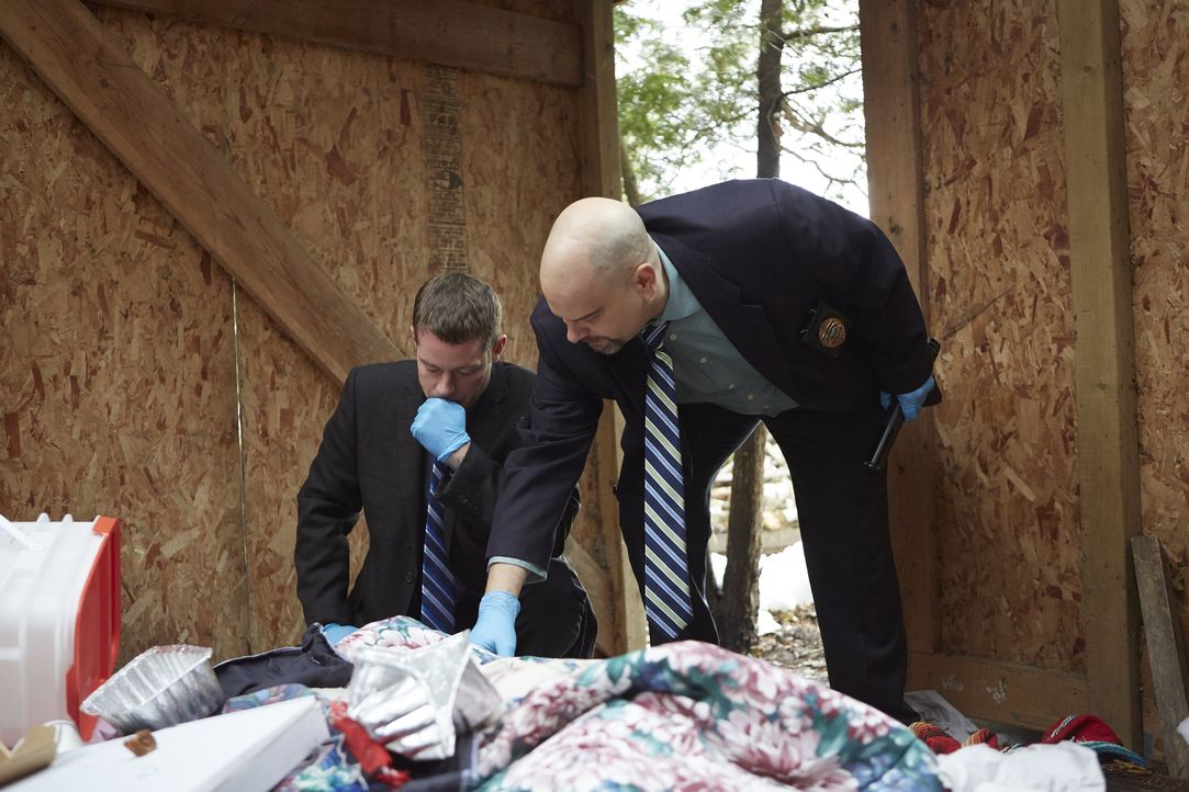 Detective Skebo (l.); Detective Harris (r.) - Bildquelle: Arrow International Media/ Saloon Media