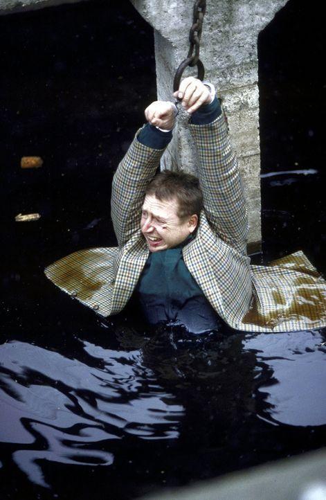 Jockel (Martin Semmelrogge) ist in großer Gefahr ... - Bildquelle: T. Landgräber ProSieben