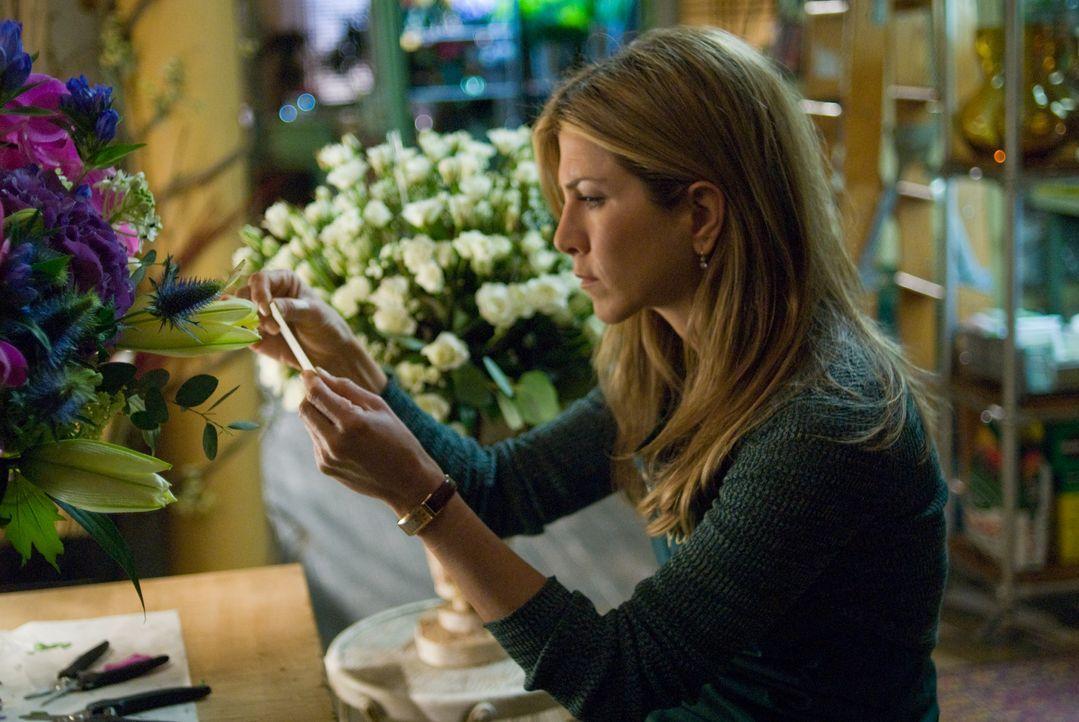 Die Blumenhändlerin Eloise (Jennifer Aniston) ist mehr als überrascht, als sie einen Strauß mit einer geheimnisvollen Nachricht erhält. Sie hat jedo... - Bildquelle: Universal Pictures