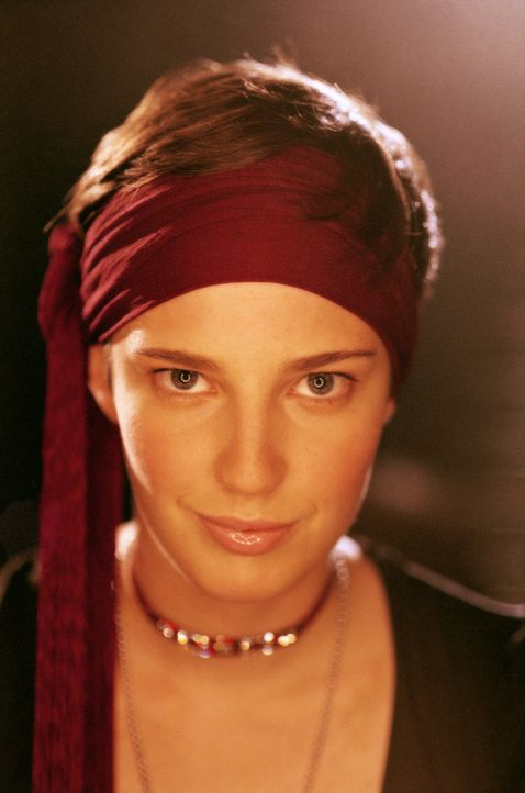 Eigentlich wäre Luka (Jana Straulino) ein bildschönes Mädchen. Doch die 17-Jährige versteckt sich permanent hinter einem burschikosen Auftreten ...... - Bildquelle: Gordon Mühle ProSieben